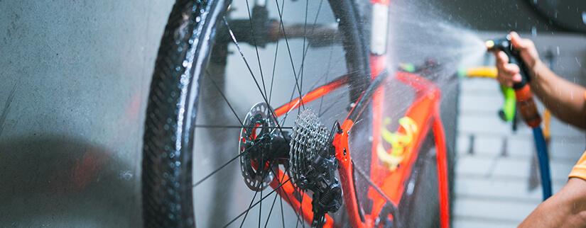 Pulizia della bici passo passo